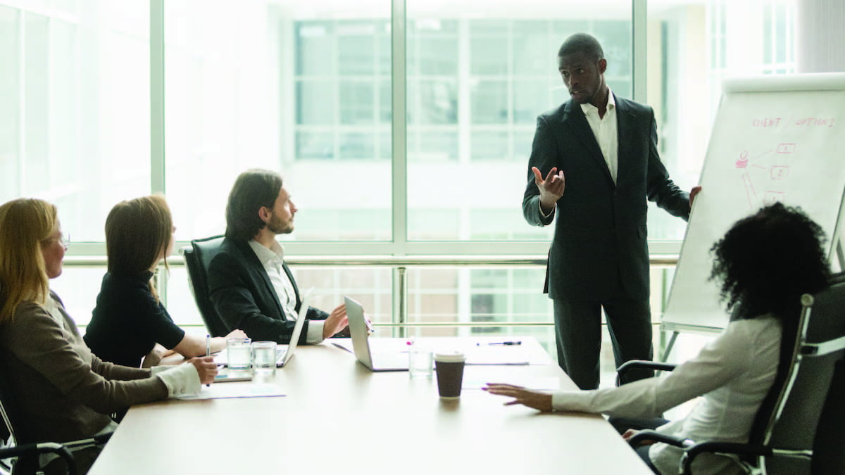 O que faz um gerente de vendas? Aprenda tudo sobre o cargo!