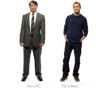 PC X MC homem de roupa social e homem de roupa casual