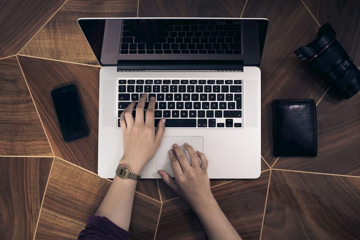 Quando enviar e-mails para o cliente sem parecer invasivo?