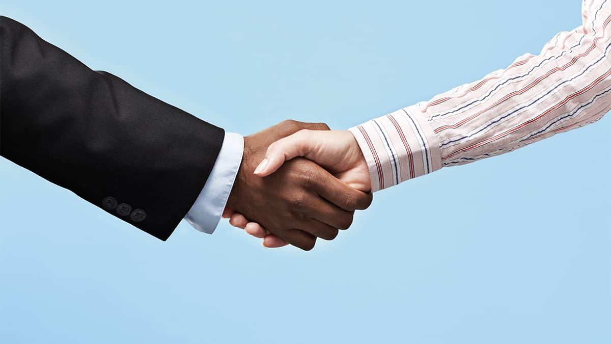 Como posso melhorar minhas habilidades de negociação?